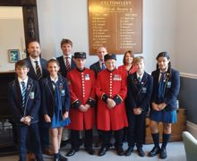 Chelsea Pensioners, Heads of School in front of the Roll of Honour