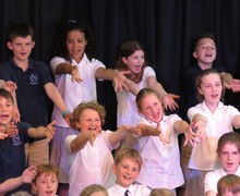 Feltonfleet choir jazz hands 2