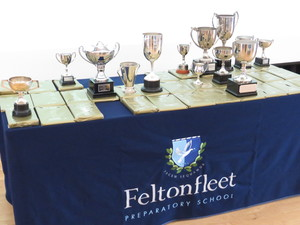 Sports dinner prizes